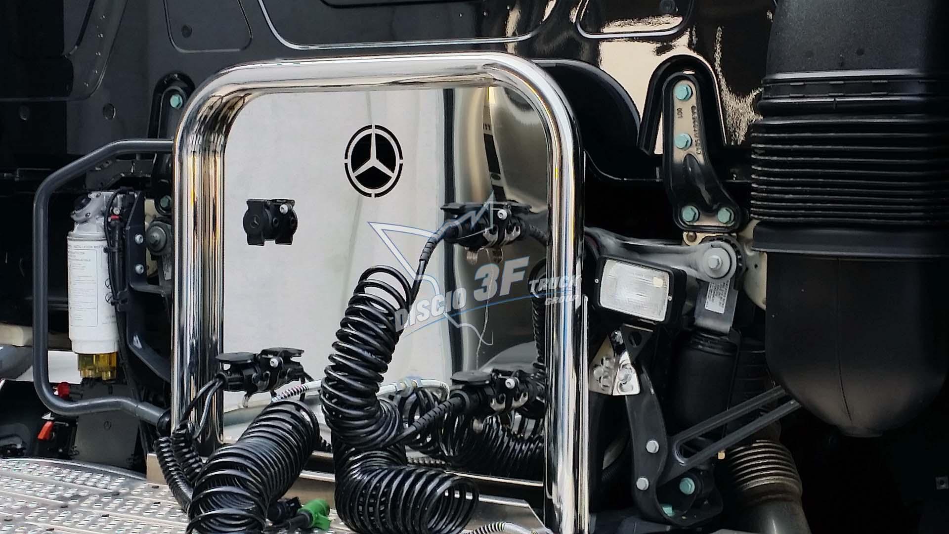 Porta Cavi Posteriore, Mercedes MP4